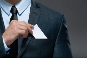 働き方改革に伴い名刺管理システムを導入するメリットや種類と選び方について